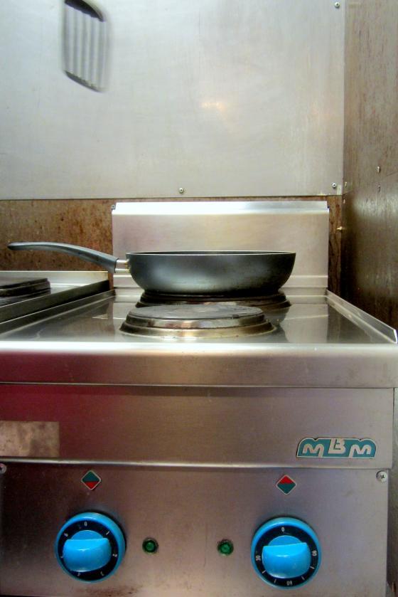 Blinit-kahvilan keittiössä.