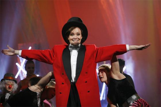 2008 Marja juonsi TV Sirkus -ohjelmaa. Kuva: YLE, Heli Sorjonen