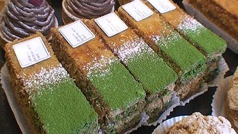 Vihreästä teestä tehtyjä leivoksia, kondiittori Sadaharu Aoki. Kuva: A-studio