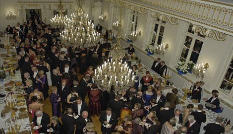 Linnan vieraita vuonna 2005. Kuva: Touko Yrttimaa/YLE