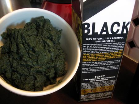 Öö... Black? Vihreä taitaa olla uusi musta...