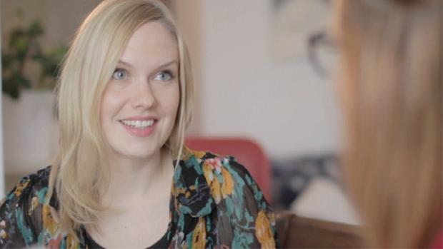 Emmi Malmström - kenkäsuunnittelija. Kuva: Yle.