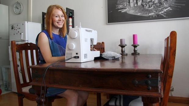 Pöytä on peräisin Facebook-kirpputorilta. Kuva: Reetta Arvila, YLE