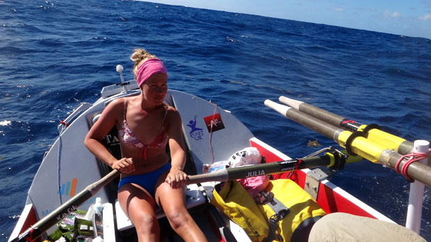 Julia Immonen soutaa Atlantin yli. Kuva: Julia Immonen