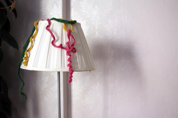 Virkattua serpentiiniä lampussa